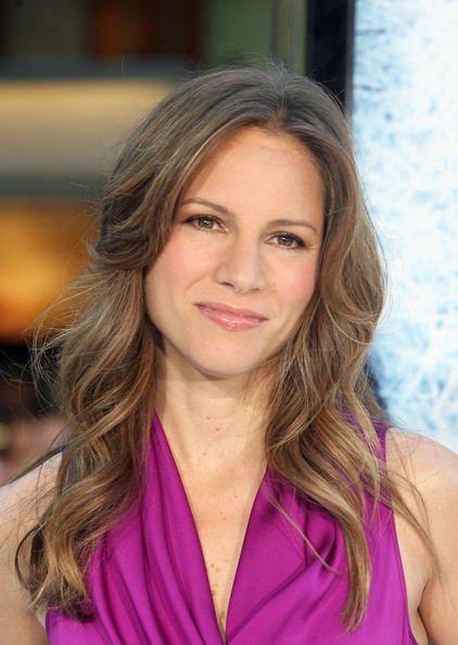 Susan Downey styled her hair in soft waves and a center part for the premiere of 'Whiteout.'