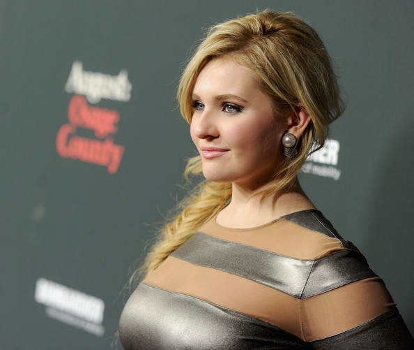 More Pics of Abigail Breslin Pearl Studs (1 of 22) - Abigail Breslin Lookbook - StyleBistro