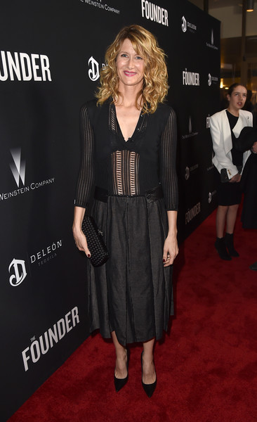 Laura Dern complemented her LBD with a woven black clutch, also by Bottega Veneta.