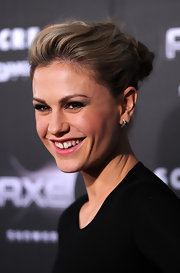 Anna Paquin paired her elegant updo with sterling silver triangle studs.
