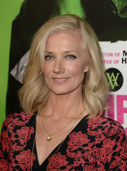 Joely Richardson kept it simple yet lovely with this shoulder-length wavy 'do when she attended the 'Vampire Academy' premiere.