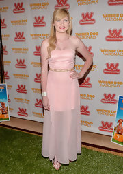 Aleeshya wore this light blush strapless dress with a sheer skirt to the 'Wiener Dog Nationals' premiere.