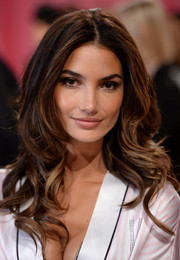 Lily Aldridge looked gorgeous at the Victoria's Secret fashion show with her long center-parted curls.