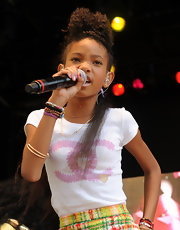Willow Smith performed at the Annual White House Easter Egg Roll wearing an Anita Ko 18-karat gold pave diamond Panther Door Knocker necklace with a Lana Jewelry Imperial necklace in yellow and white gold.