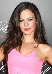 Tammin Sursok wore her long hair loose in tousled layers during the 'Pretty Little Liars' 100th episode celebration.