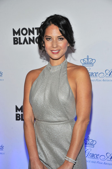 More Pics of Olivia Munn Bobby Pinned updo (1 of 7) - Olivia Munn Lookbook - StyleBistro