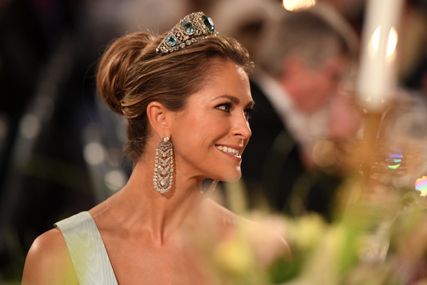 Princess Madeleine Loose Bun [hair,headpiece,hairstyle,hair accessory,beauty,tiara,fashion accessory,lady,skin,jewellery,madeleine of sweden,nobel prize,stockholm,city hall,sweden,nobel prize banquet]
