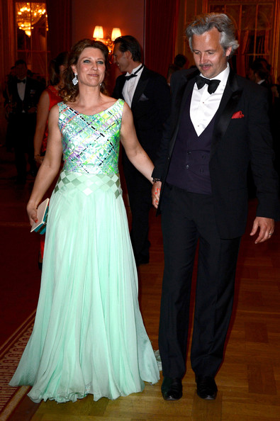 Princess Martha Louise Evening Dress [carl gustav,silvia of sweden,ahead of the wedding of princess madeleine,martha louise of norway,christopher oneill - inside arrivals,host a,gown,formal wear,dress,suit,event,clothing,fashion,lady,tuxedo,prom,dinner,dinner,wedding,eve]