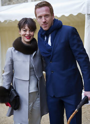Damian Lewis paired his electric blue suit with an equally vibrant cable knit scarf.
