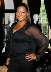 Queen Latifah sported a neutral polish to the unveiling of her new Queen Collection. Her pastel polish was a cross between gray and a soft blue.