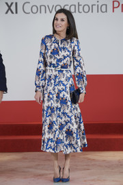 Queen Letizia of Spain opted for a long-sleeve print dress by Sandro when she attended the 'Proyectos Sociales de Banco Santander' Awards.