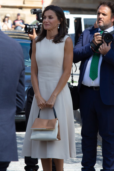 Queen Letizia of Spain Midi Dress [years commemoration of elcano and magallanes first round-the-world expedition,white,clothing,dress,fashion,lady,snapshot,street fashion,formal wear,white-collar worker,suit,royals,letizia,seville,spanish,spain,el viaje mas largo,inauguration,exhibition,expedition]