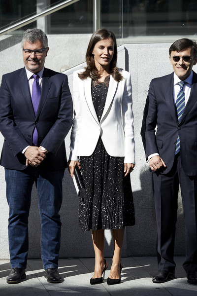 Queen Letizia of Spain Blazer [the inclusion of disability,letizia of spain attends the inclusion of disability in news media,news media,suit,clothing,formal wear,tuxedo,white-collar worker,fashion,blazer,outerwear,eyewear,footwear,queen,letizia,forum,spain,madrid,ilunion tower]