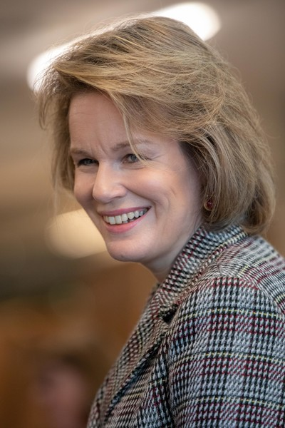 Queen Mathilde of Belgium Bob [hair,face,blond,facial expression,hairstyle,smile,beauty,chin,lady,lip,mathilde of belgium,philippe of belgium,queen,the province of west-flandres,salesroom,west -flanders,belgium,maene pianos,visit,workshop]