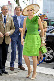 Queen Maxima went for simple styling with a pair of nude pumps.
