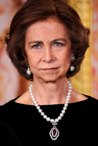Queen Sofia Bob [hair,hairstyle,eyebrow,chin,jewellery,fashion accessory,smile,pearl,sofia,laslo solyom,president,honour,dinner,hungarian,spanish,spain,royals,host dinner]