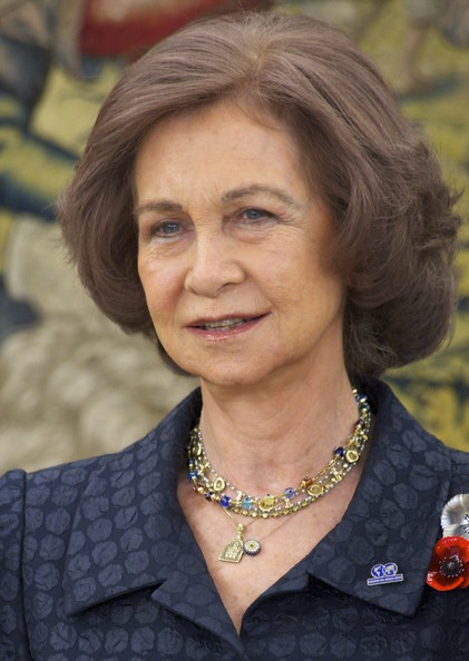 Queen Sofia Bob [chin,portrait,official,wrinkle,smile,foundation at zarzuela palace on april 6,spanish royals receive members of ``colegios del mundo unido,sofia of spain receives members of ``colegios del mundo unido,spain,madrid]