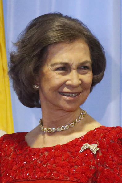 Queen Sofia Bob [hair,hairstyle,chin,smile,fashion accessory,makeover,jewellery,sofia,individuals,award,path to peace,recognition,peace,development,spain,united nations,queen sofia attends path to peace presentation ceremony in new york]