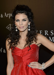 AnnaLynne McCord wore her curls in a sexy half-up half-down style at the Art of Van Cleef & Arpels event.