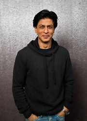 Shahrukh Khan went for a sporty look with this charcoal hoodie for his 'RA One' portrait session.