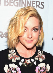 Jane Krakowski sported cute short waves at the New York premiere of 'Adult Beginners.'