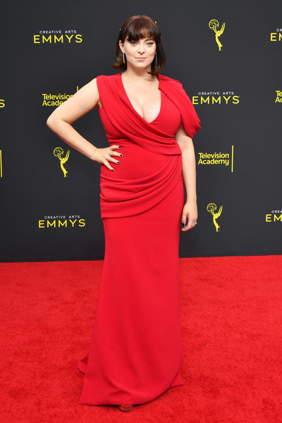 Rachel Bloom Evening Dress [red carpet,clothing,dress,carpet,fashion model,shoulder,gown,red,flooring,hairstyle,arrivals,rachel bloom,creative arts emmy awards,los angeles,california]
