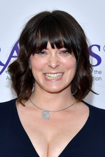 Rachel Bloom Short Wavy Cut [hair,face,hairstyle,chin,eyebrow,bangs,brown hair,lip,layered hair,smile,alliance for women in media foundation,beverly wilshire four seasons hotel,beverly hills,california,44th annual gracie awards,annual gracies awards,rachel bloom]