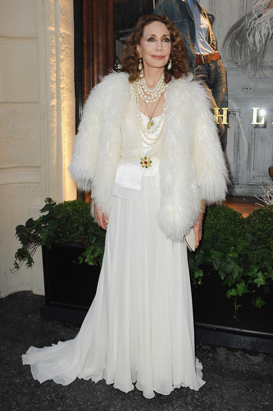 More Pics of Marisa Berenson Long Curls (1 of 4) - Marisa Berenson Lookbook - StyleBistro