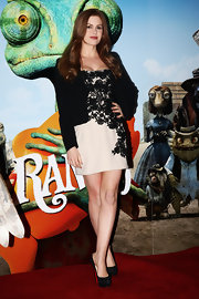 Isla donned a lace embroidered frock to the 'Rango' photocall in London.