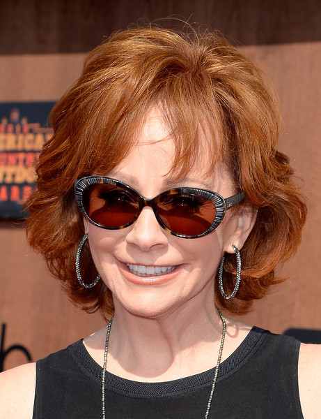 Reba McEntire Curled Out Bob []