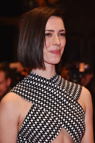 Rebecca Hall Bob [hair,fashion,hairstyle,fashion model,beauty,lip,fashion show,neck,brown hair,haute couture,rebecca hall,dinner,berlin,germany,berlinale palace,the dinner premiere,premiere,berlinale international film festival,berlinale international film festival berlin]