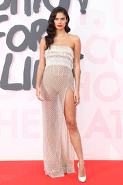 Sara Sampaio looked seductive in a sheer strapless gown by Roberto Cavalli Couture at the Fashion for Relief Cannes 2018.