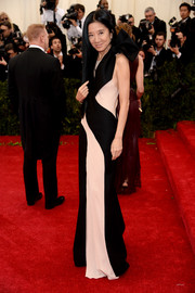 Vera Wang went for a low-key Met Gala red carpet look in a black-and-white column dress.