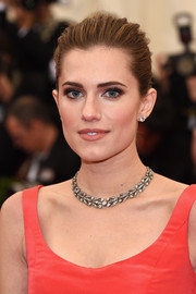 Allison Williams accessorized with a stunning diamond collar necklace by Fred Leighton.