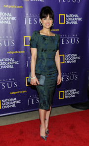 Carla Gugino donned a vintage-chic green sheath dress for the world premiere of 'Killing Jesus.'