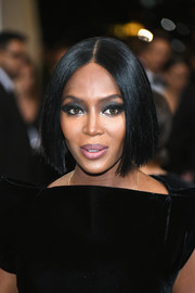 Naomi Campbell attended the 2017 Met Gala sporting a trendy graduated bob.