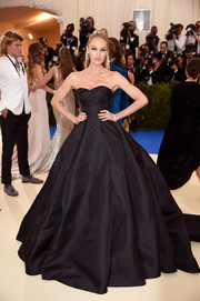 Candice Swanepoel was a goth princess in this strapless black ball gown by Topshop at the 2017 Met Gala.