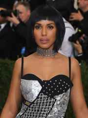 Kerry Washington complemented her metallic outfit with a silver safety-pin choker by Michael Kors.