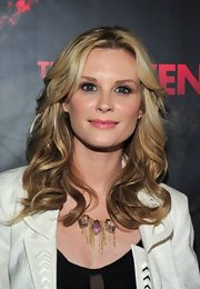 Bonnie Somerville added sleek curls to her long locks and swept her bangs casually off to the sides for the premiere of 'The Raven.'