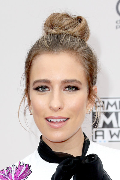 Renee Bargh Hair Knot
