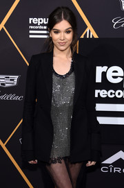 Hailee Steinfeld attended the Republic Records Grammy celebration wearing a perfectly tailored blazer by Vera Wang.