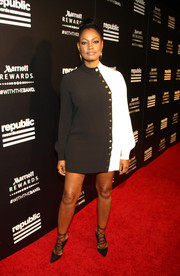 Garcelle Beauvais teamed her dress with stylish black strappy pumps.