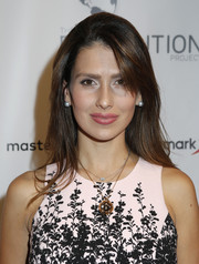 Hilaria Baldwin wore her hair loose and straight with side-swept bangs at the Resolution Project's Resolve 2016 Gala.
