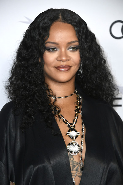 Rihanna Long Curls [hair,face,black hair,hairstyle,eyebrow,long hair,beauty,lip,forehead,human,arrivals,rihanna,hair,hair,reggae,celebrity,afi fest,queen slim,audi,premiere,rihanna,2019 afi fest,queen slim,hassan jameel,51st naacp image awards,reggae,celebrity,kiss it better]