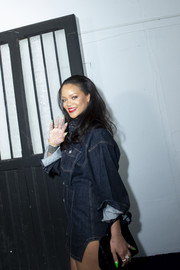 Rihanna rocked a neon-green mani at the Fenty pop-up opening in Paris.