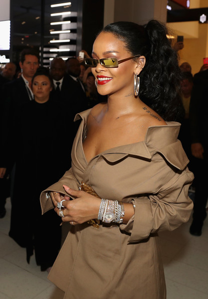 Rihanna made our eyes pop when she wore this ultra-luxe diamond watch to the Fenty Beauty event in Dubai.