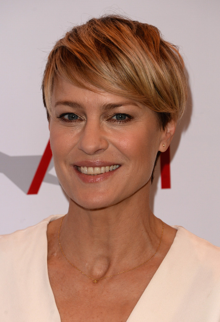 Robin Wright Side Parted Straight Cut Robin Wright Looks