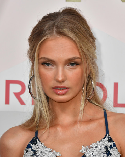 Romee Strijd Half Up Half Down