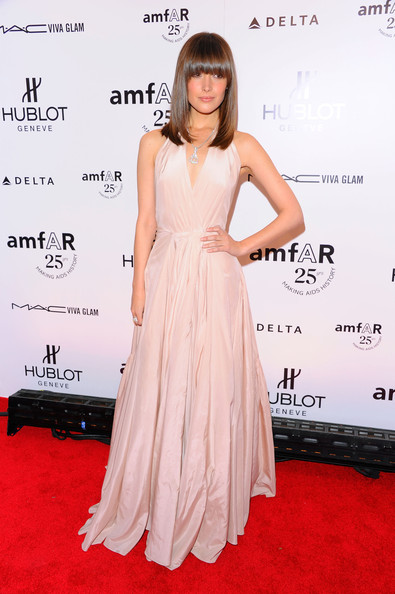 Rose Byrne Evening Dress [flooring,fashion model,dress,gown,beauty,shoulder,cocktail dress,carpet,joint,fashion,arrivals,rose byrne,amfar new york gala to kick off fall 2011 fashion week,new york city,cipriani wall street]