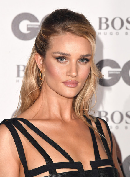 Rosie Huntington-Whiteley Half Up Half Down [hair,hairstyle,fashion model,blond,shoulder,eyebrow,beauty,brown hair,lip,long hair,red carpet arrivals,rosie huntington-whiteley,gq men of the year awards,awards,england,london,tate modern,gq men of the year]